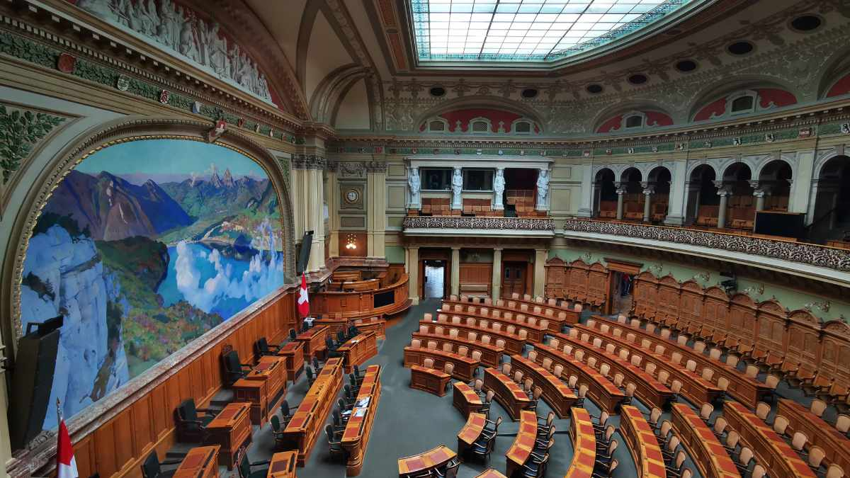 Das Schweizer Parlament vertraut weiter auf Stage Tec