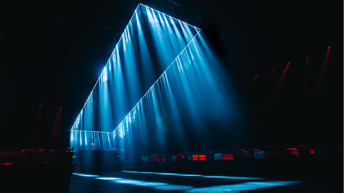 Das SETUP Studio schafft einen Lichttunnel für DJ Solomun