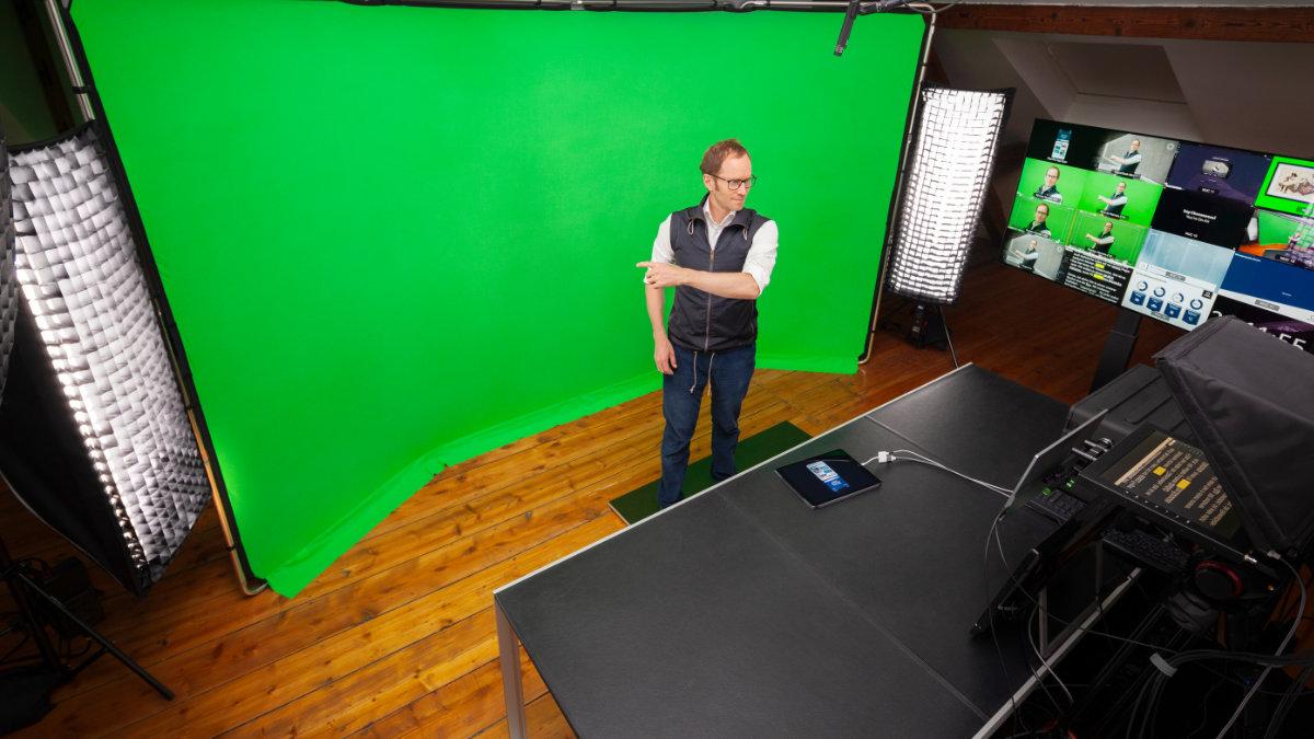 Cheese setzt im  Broadcasting-Studio auf Meyer Sound
