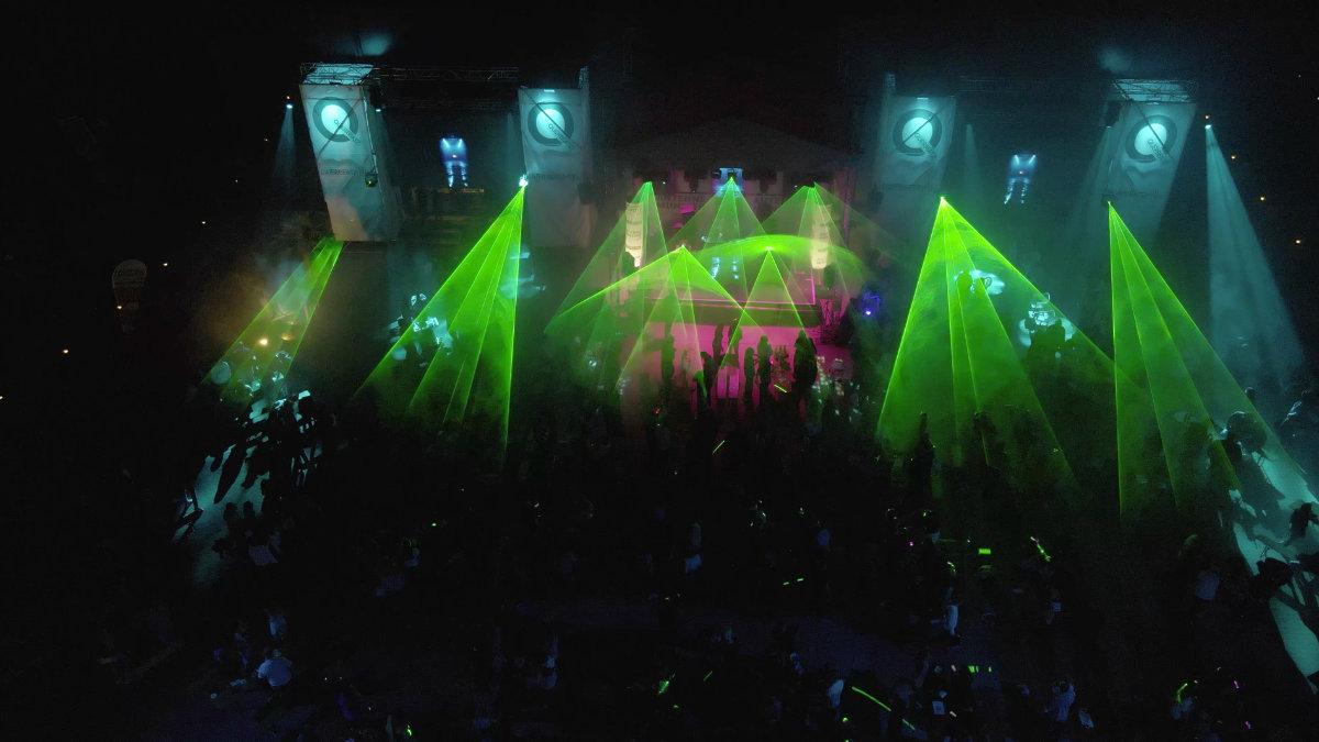 Laser & Vision setzt beim Querbeatz MusiQultur Festival auf LaserLink