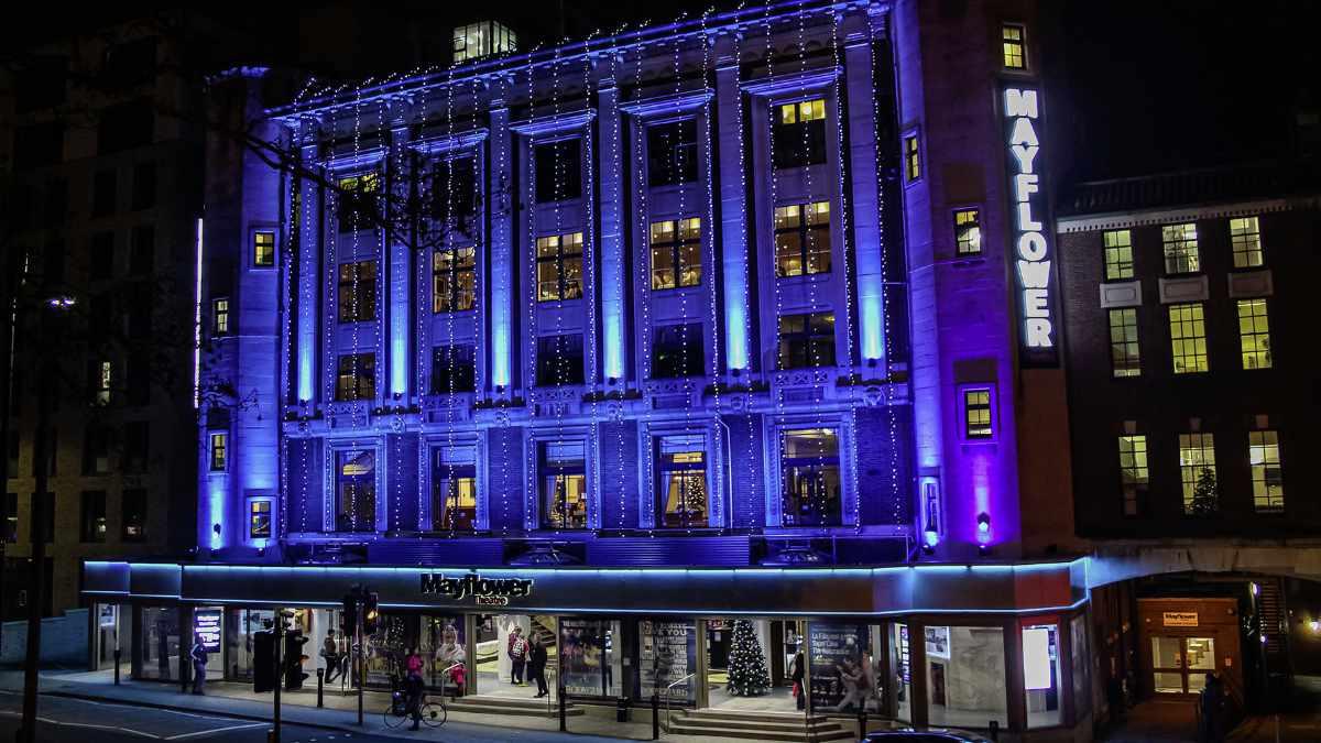 ANOLIS beleuchtet das Southampton Mayflower Theatre