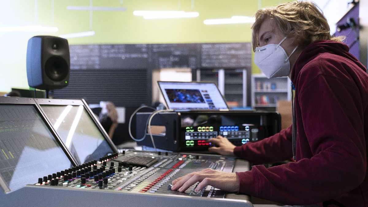 Riedel ermöglicht virtuelle Erstsemesterbegrüßung der h_da Darmstadt
