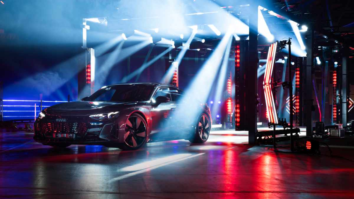 Raphaël Demonthy inszeniert Audi e-tron GT Premiere mit GLP