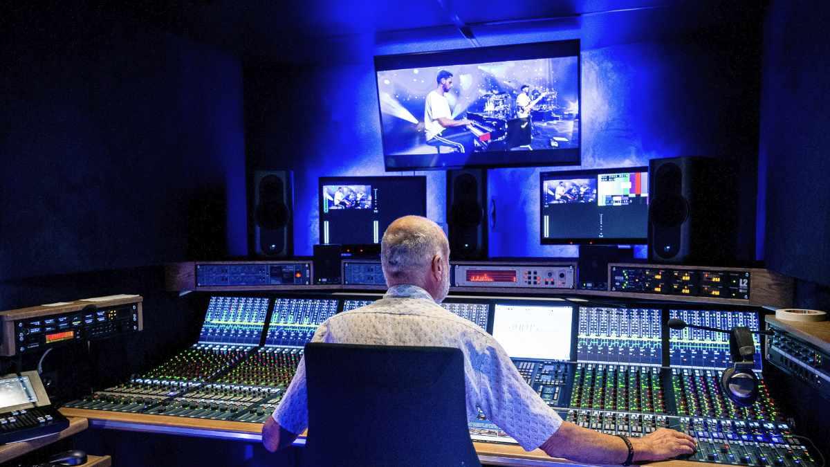 AURUS platinum für den Audiotruck MusicOne