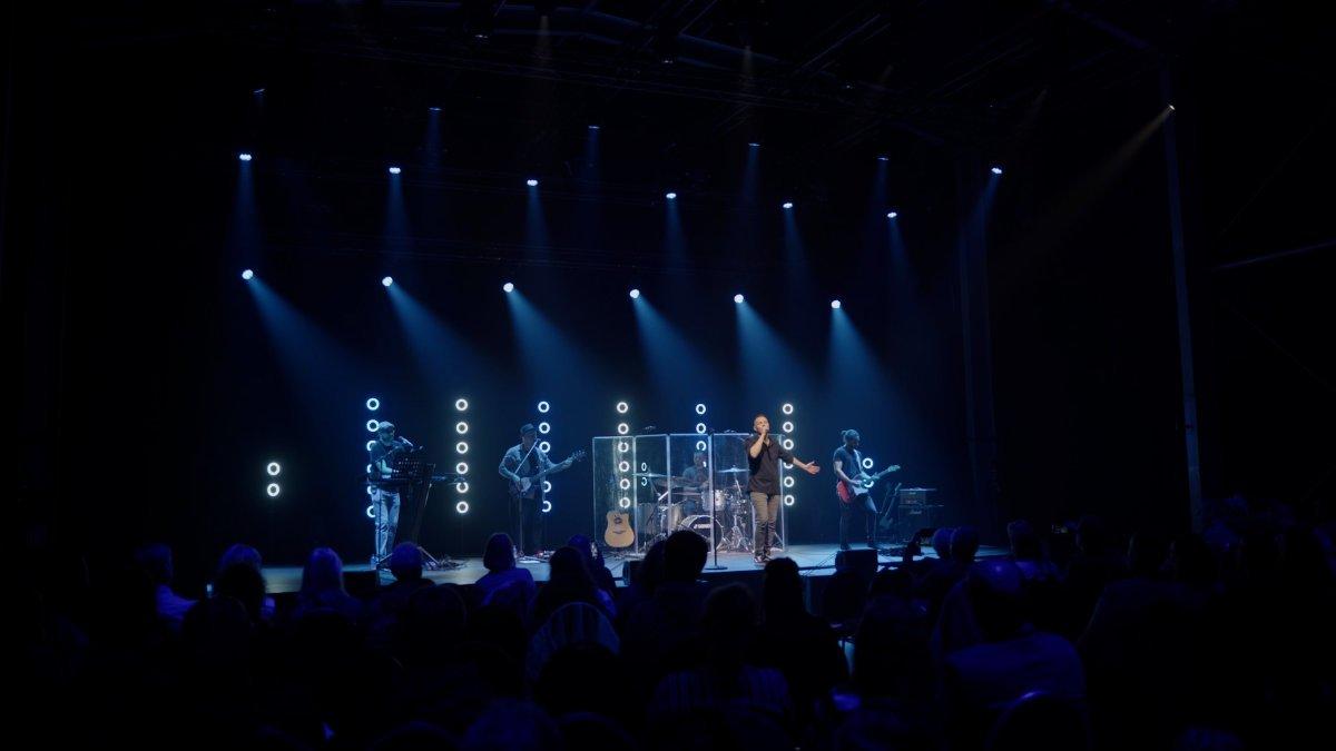 Jens Hillenkötter inszeniert David Vidano mit Creative Lights 1 Plus