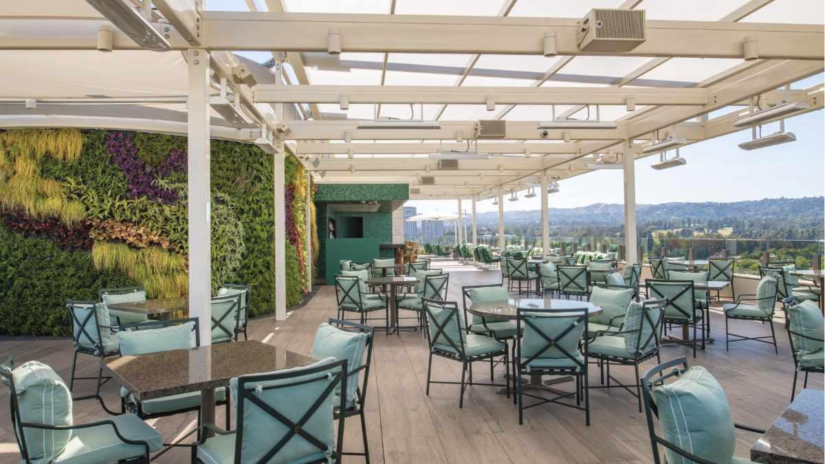 Rooftop Dining im Waldorf Astoria Beverly Hills Hotel mit Meyer Sound