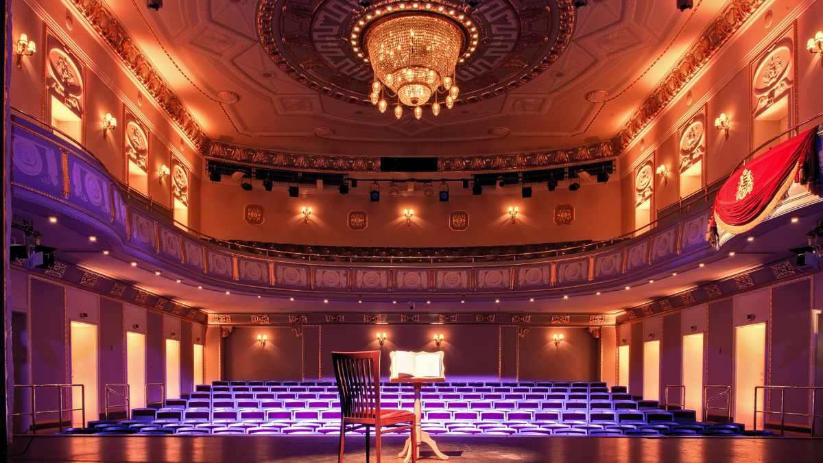 ROBE T1 Profile für das König Albert Theater