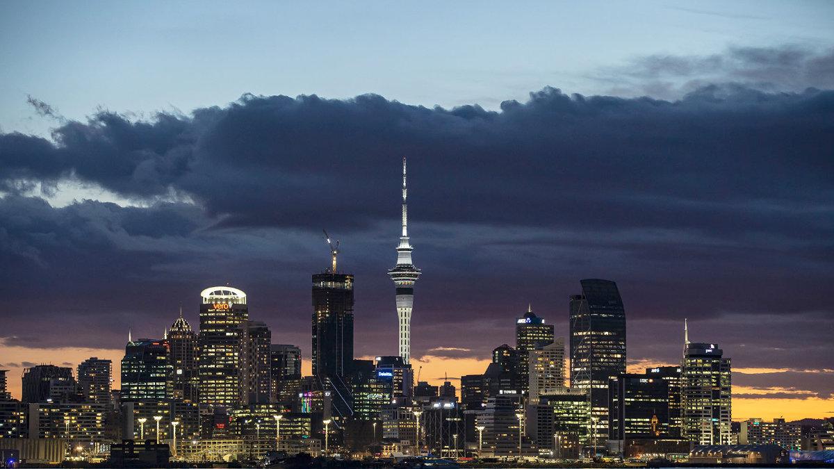 ANOLIS beleuchtet den Sky Tower in Auckland