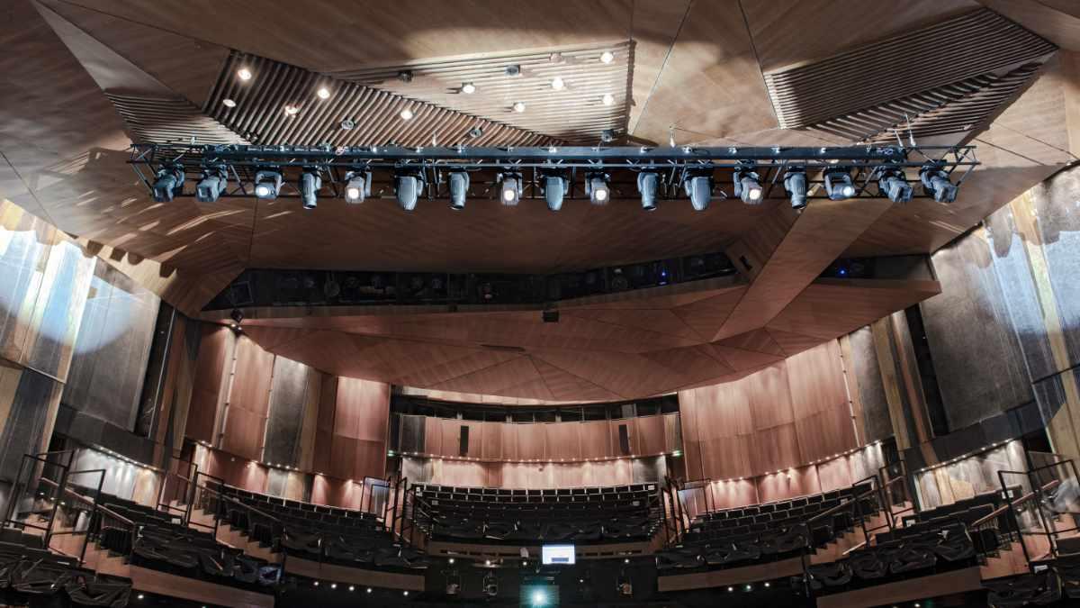 Das Staatstheater Kassel investiert in ROBE RoboSpot